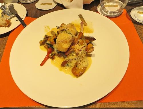 Seeteufelmedaillons in Olivenöl gegart mit Chorizoschaum