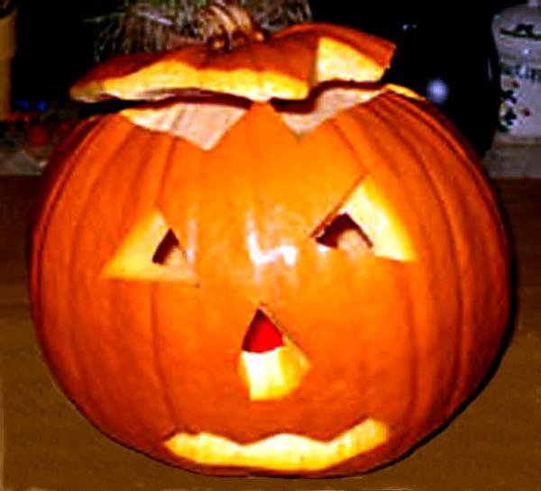 geschnitzter Halloween Kürbis